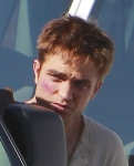 Rob/Jacob in different wardrobe for re-shoots/additions~1/15/11